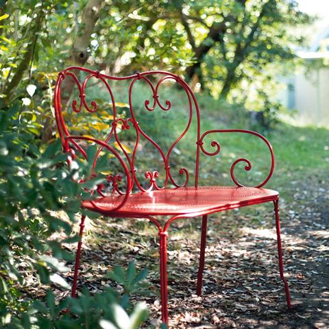 1900 bench in Poppy
