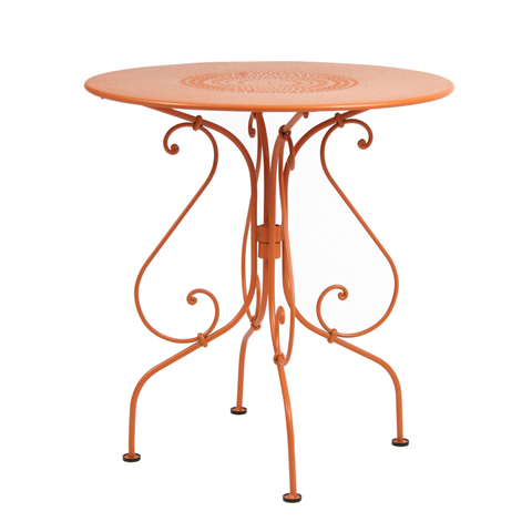 1900 table 67cm diameter in Carrot