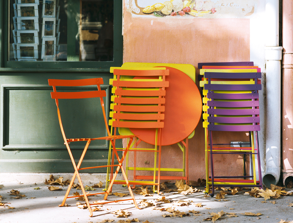 Bistro tables and chairs - garden furniture for a small space