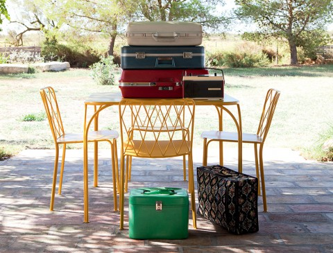 Kintbury table & chairs in Honey