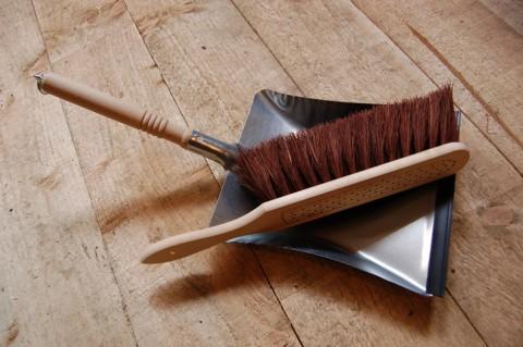 Steel dustpan & floor brush