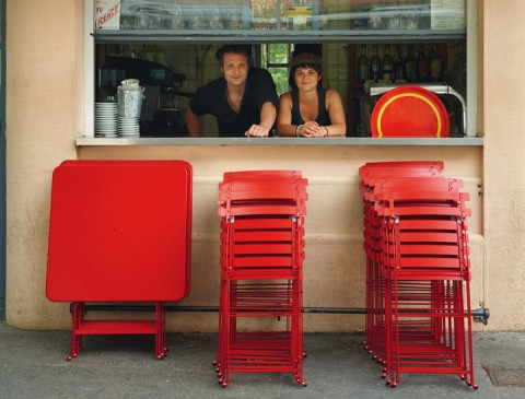 Bistro tables and chairs in Poppy