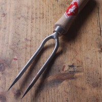 Sneeboer two tine weeding fork
