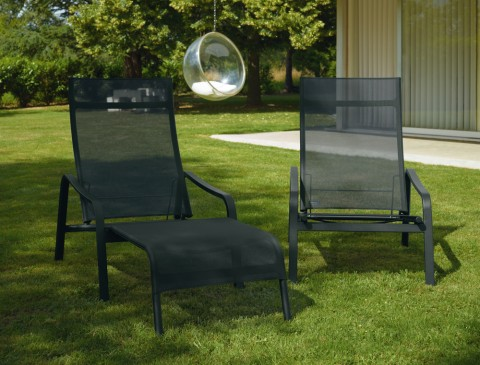Alizé deck chair and arm chair in Liquorice