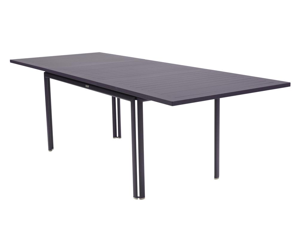 Costa extending table in Plum