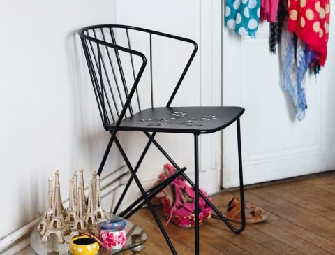 Flower armchair in Liquorice