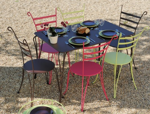 Louver chairs, Surprising table and Guiderons double table