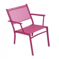 Costa low armchair in Fuchsia