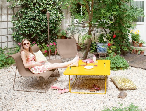 Ellipse bench and armchair in Nutmeg and Ellipse low table in Honey