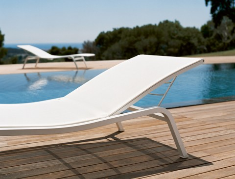 Alizé sunlounger in Cotton White
