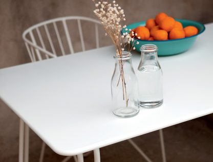 Surprising table and Flower chair, both in Cotton White