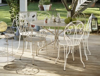 Montmartre table table, chairs, armchairs and portable bar, in Cotton White & Nutmeg