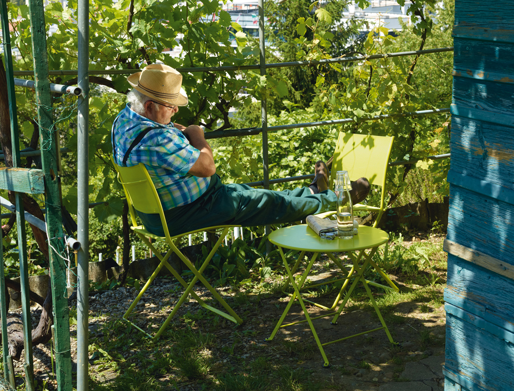 Tom pouce table le petit jardin for Petit jardin