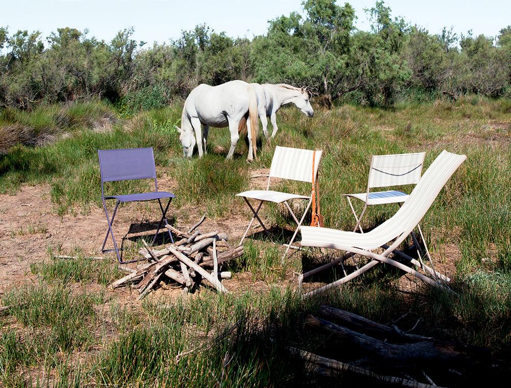 Plein Air chairs in Plum and Ticking, Plein Air deckchair in Ticking