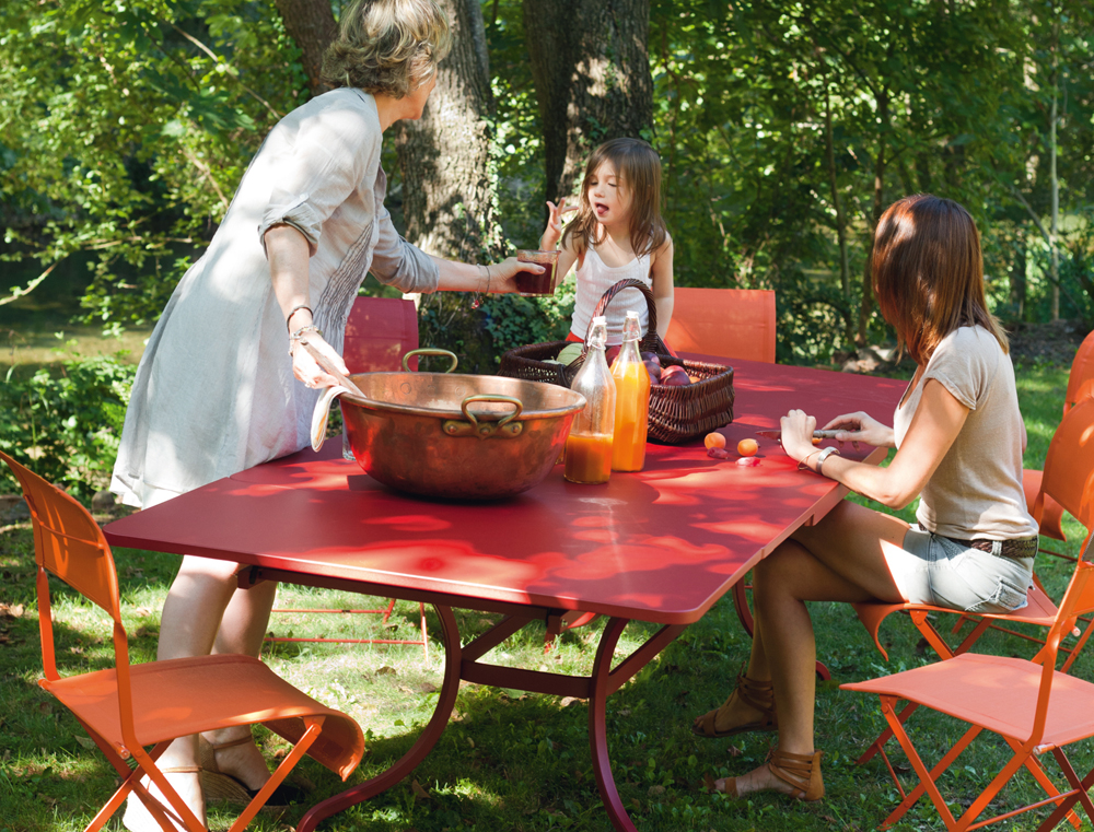 Romane rectangular table in Chili, Dune & Latitude chairs in Carrot & Chili