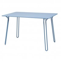 Surprising table in Fjord Blue
