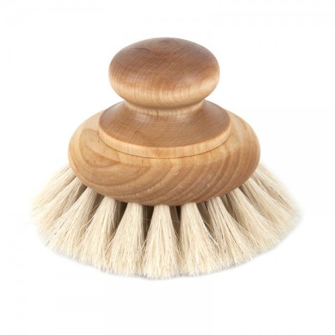Bath brush with knob; oil treated birch, horsehair