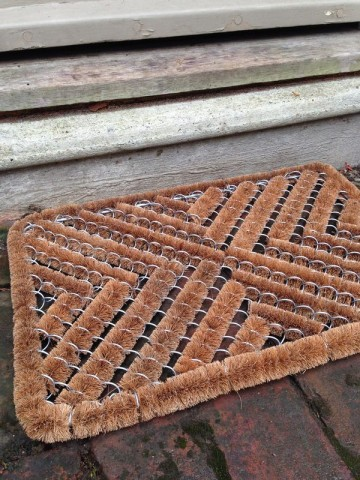 Rectangular zig-zag doormat