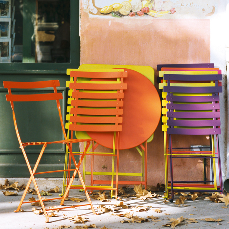 Bistro chairs & tables