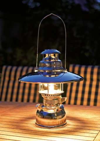 HK-500 lantern with (optional) reflector