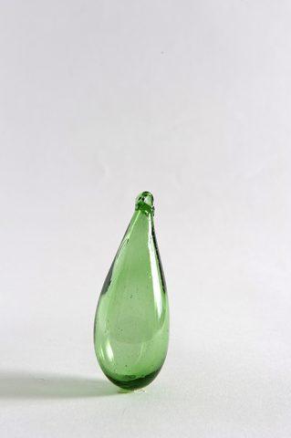 Medium Syrian glass drop in green