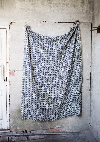 Corona Duo blanket in Grey/Rainy Blue