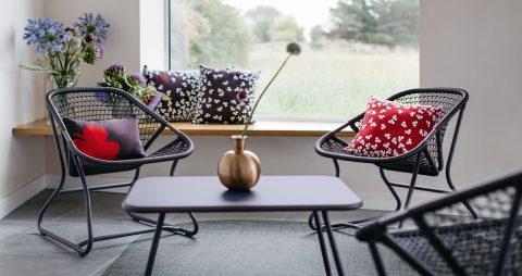 Sixties armchair, Sixties table in Plum
