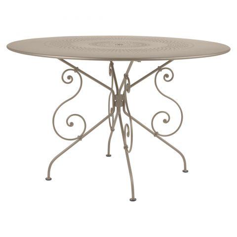 1900 table 117 cm diameter in Nutmeg