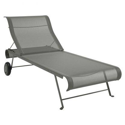 Dune sunlounger in Rosemary