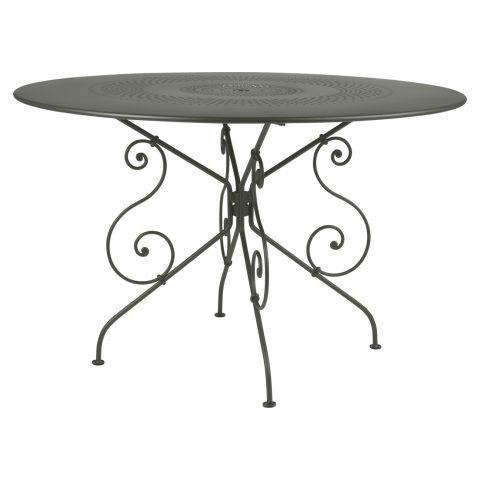 1900 table 117 cm diameter in Rosemary