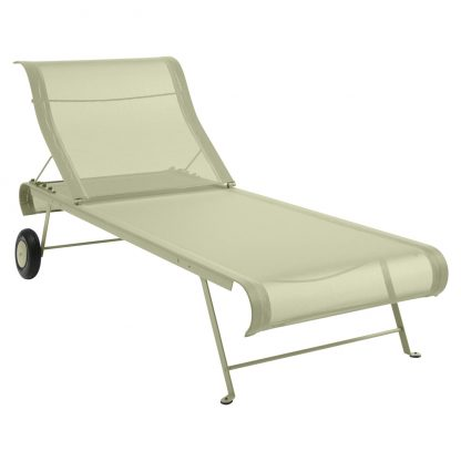 Dune sunlounger in Willow Green