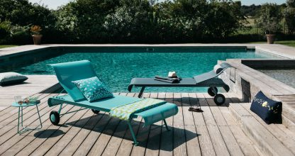 Dune sunlounger in Turquoise Blue and Storm Grey, Cocotte table or footstool in Turquoise Blue