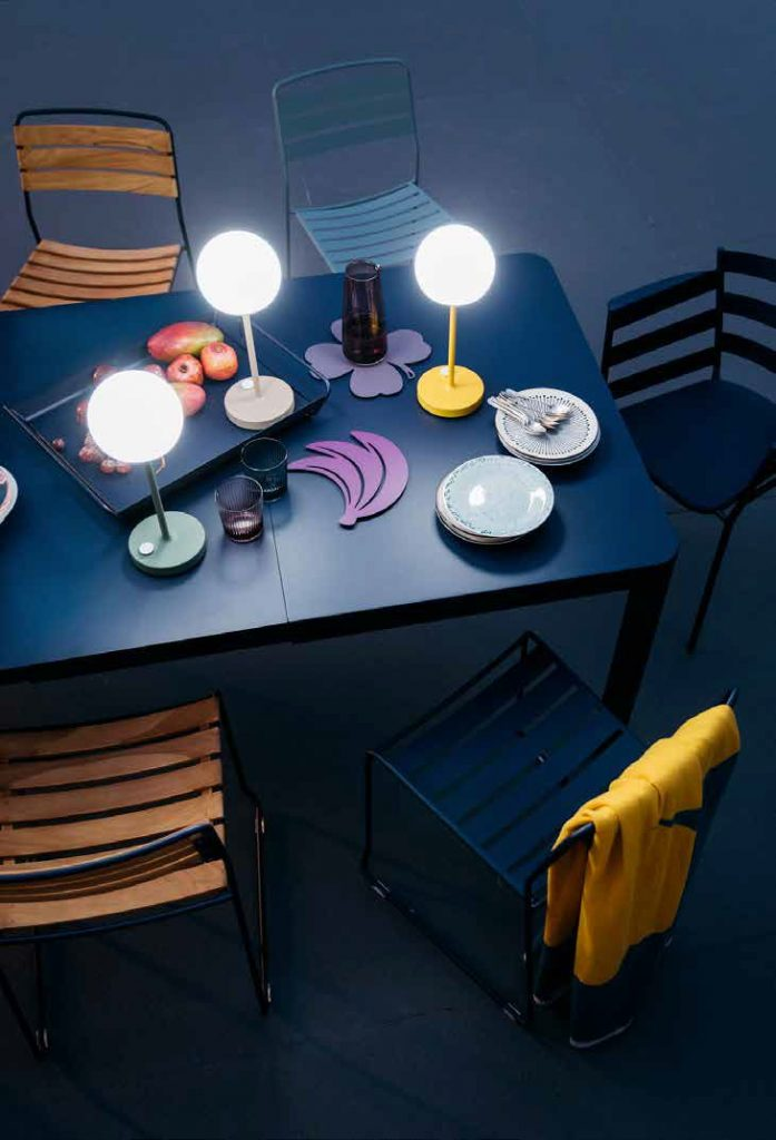 Ribambelle table, Surprising chairs and Rythmic armchair in Deep Blue