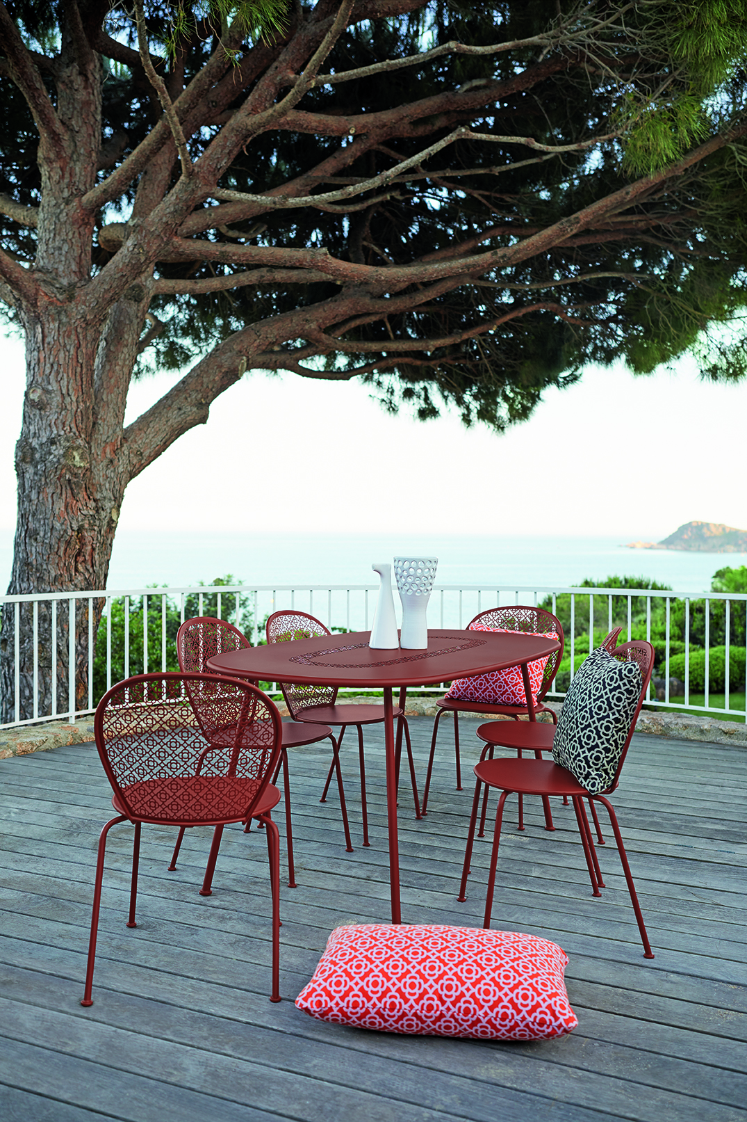 Lorette oval table by Fermob and available from le petit jardin