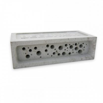 Bee Brick in Natural, Off White concrete
