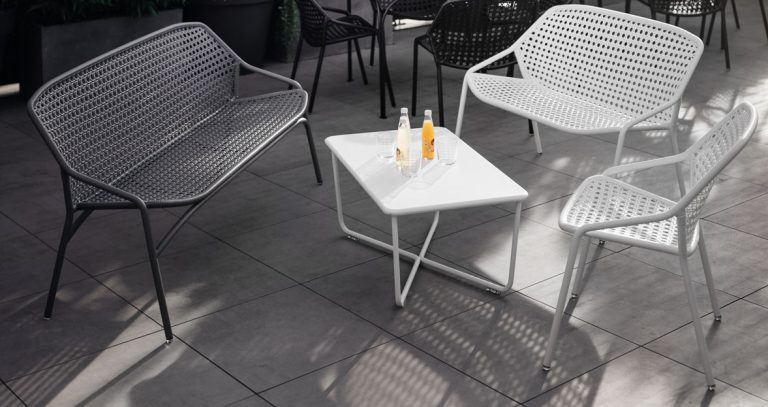 Croisette bench XL in Storm Grey, Croisette low table, chairs and bench in Cotton White