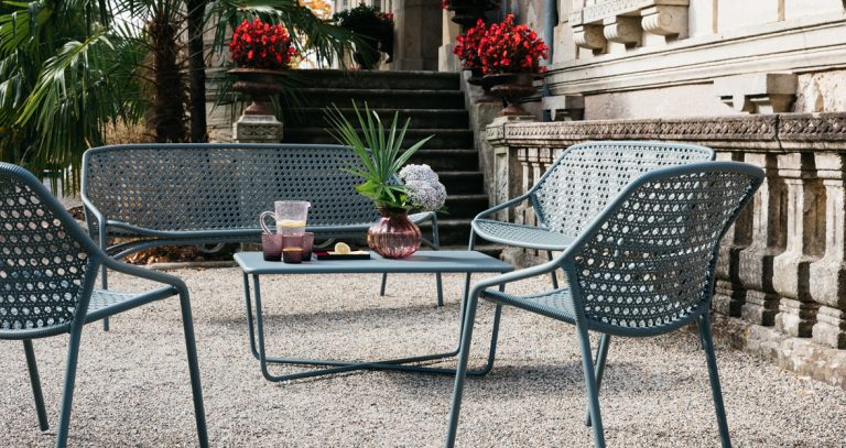 Croisette bench XL, low table, chairs and bench in Storm Grey