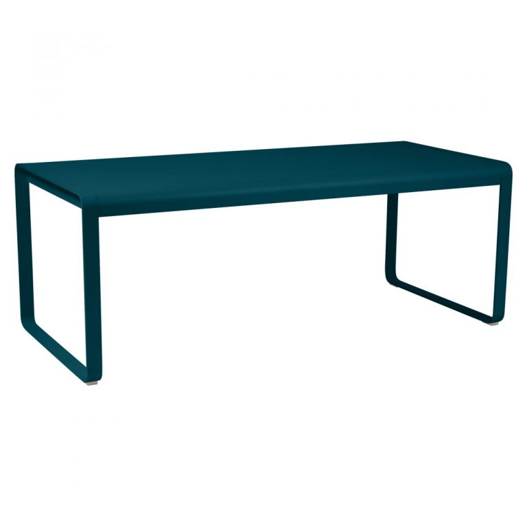 Bellevie table (196 cm × 90 cm) in Acapulco Blue