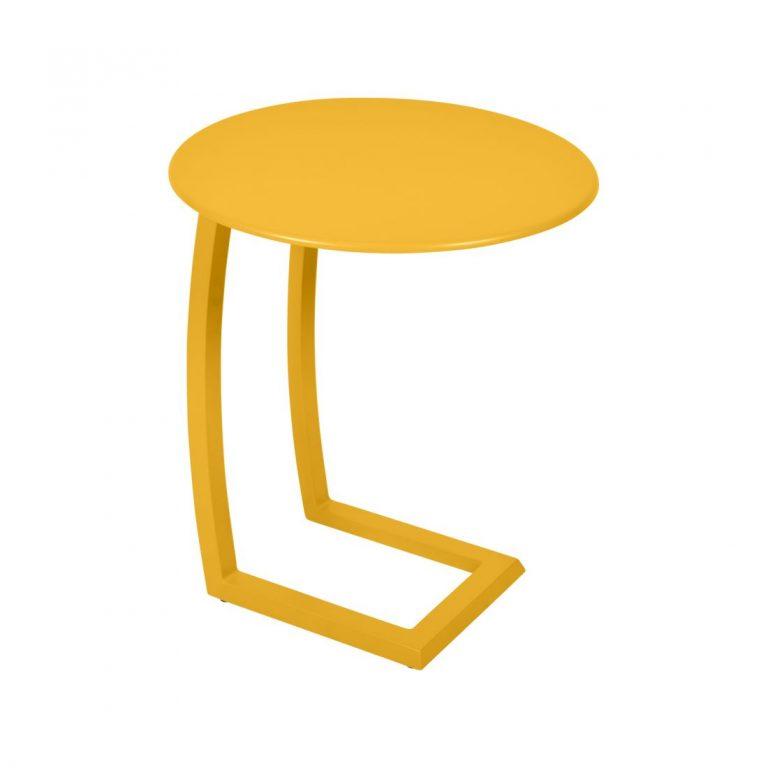 Alizé offset side table in Honey