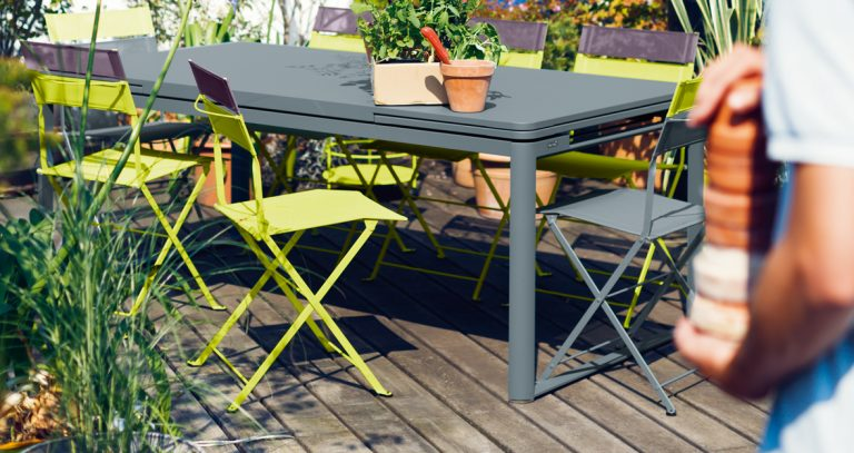 Biarritz table in Storm Grey with Latitude chairs