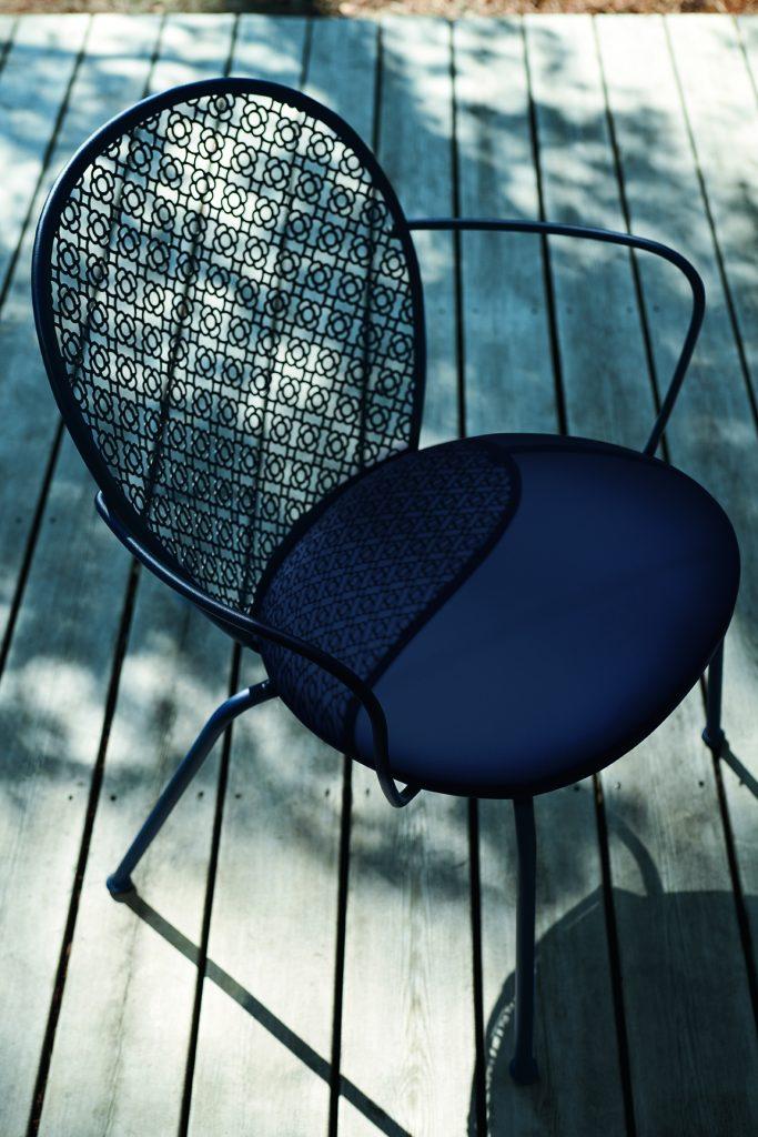 Lorett padded armchair in Acapulco Blue