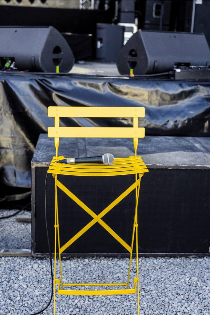 Bistro high chair in Honey
