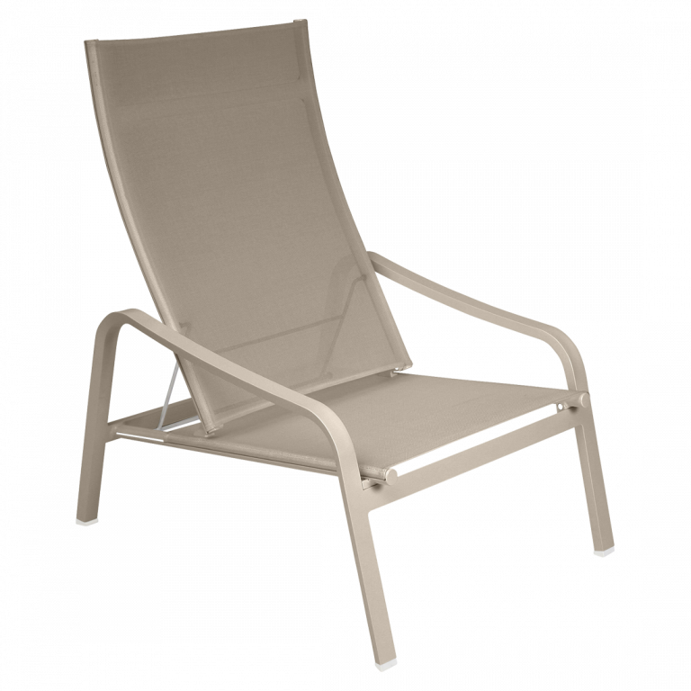 Alizé low armchair in Nutmeg